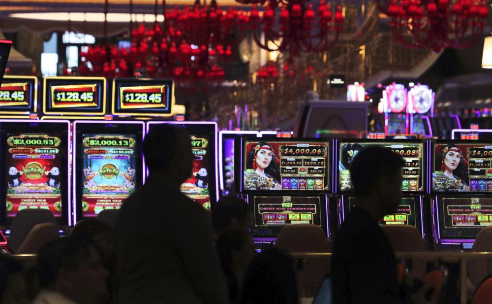 Игровые автоматы играть бесплатно и без регистрации демо версии 5000 кредитов rich club ночь в музее игровых автоматов